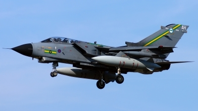 Photo ID 190776 by Sven Zimmermann. UK Air Force Panavia Tornado GR4, ZA585