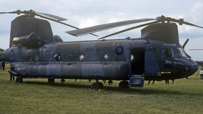 Photo ID 194021 by Michael Frische. UK Air Force Boeing Vertol Chinook HC4 CH 47D, ZA677