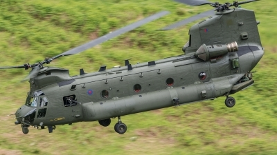 Photo ID 194089 by Paul Massey. UK Air Force Boeing Vertol Chinook HC2 CH 47D, ZA720