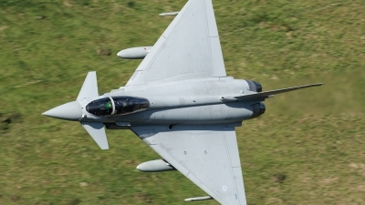 Photo ID 194252 by Paul Massey. UK Air Force Eurofighter Typhoon FGR4, ZK353