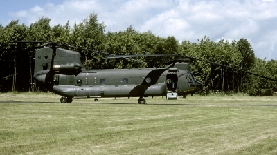 Photo ID 194932 by Joop de Groot. UK Air Force Boeing Vertol Chinook HC2A CH 47D, ZH892