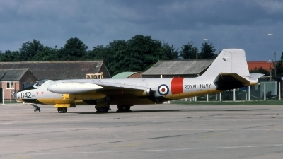 Photo ID 196922 by Marc van Zon. UK Air Force English Electric Canberra TT 18, WJ636