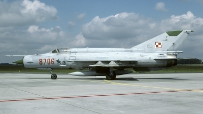 Photo ID 197088 by Marinus Dirk Tabak. Poland Air Force Mikoyan Gurevich MiG 21MF, 8706