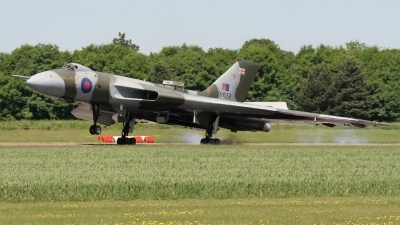 Photo ID 23509 by Karl Drage. Private Private Avro Vulcan B2, G VLCN