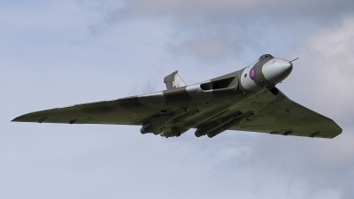 Photo ID 23543 by James Shelbourn. Private Private Avro Vulcan B2, G VLCN