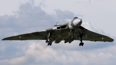 Photo ID 23544 by James Shelbourn. Private Private Avro Vulcan B2, G VLCN