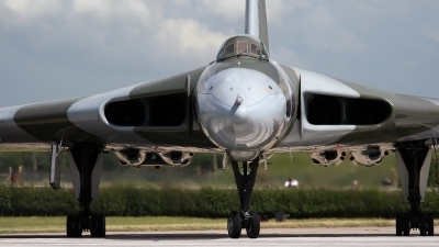 Photo ID 23654 by Tony Lowther. Private Private Avro Vulcan B2, G VLCN