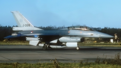Photo ID 200892 by Rainer Mueller. Netherlands Air Force General Dynamics F 16B Fighting Falcon, J 068