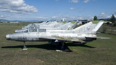Photo ID 201162 by Joop de Groot. Czechoslovakia Air Force Mikoyan Gurevich MiG 21UM, 3041