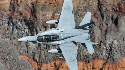 Photo ID 201408 by Tom Gibbons. USA Marines McDonnell Douglas F A 18D Hornet, 164254