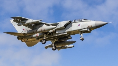 Photo ID 201978 by Mike Macdonald. UK Air Force Panavia Tornado GR4, ZA588