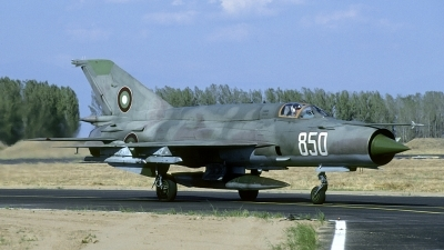 Photo ID 202022 by Joop de Groot. Bulgaria Air Force Mikoyan Gurevich MiG 21bis, 850
