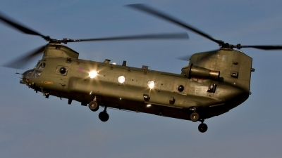 Photo ID 24129 by Richard Parker. UK Air Force Boeing Vertol Chinook HC2, ZA720