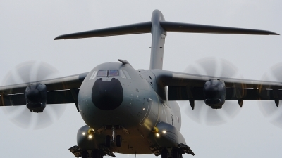 Photo ID 202854 by Lukas Kinneswenger. UK Air Force Airbus Atlas C1 A400M, ZM414