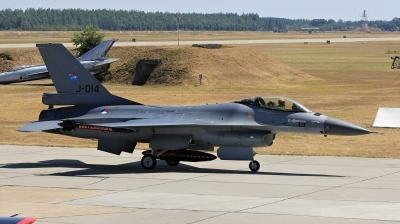 Photo ID 202858 by Milos Ruza. Netherlands Air Force General Dynamics F 16AM Fighting Falcon, J 014