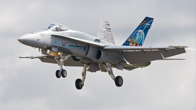 Photo ID 23935 by Alex van Noye. Canada Air Force McDonnell Douglas CF 188A Hornet CF 18A, 188703