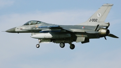 Photo ID 203893 by Arie van Groen. Netherlands Air Force General Dynamics F 16AM Fighting Falcon, J 002