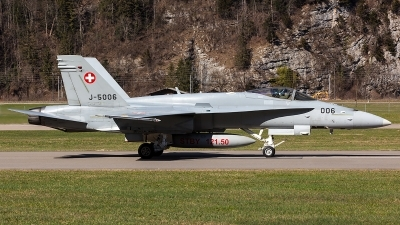Photo ID 204631 by Thomas Ziegler - Aviation-Media. Switzerland Air Force McDonnell Douglas F A 18C Hornet, J 5006