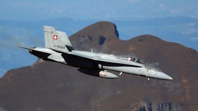 Photo ID 204898 by Ludwig Isch. Switzerland Air Force McDonnell Douglas F A 18C Hornet, J 5024