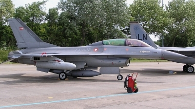 Photo ID 205351 by Arie van Groen. Denmark Air Force General Dynamics F 16BM Fighting Falcon, ET 022