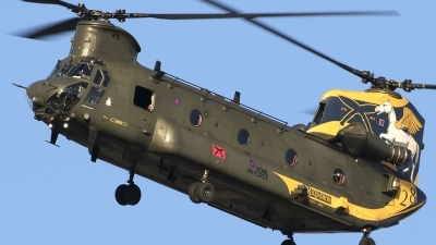 Photo ID 205535 by Chris Lofting. UK Air Force Boeing Vertol Chinook HC4 CH 47D, ZH777