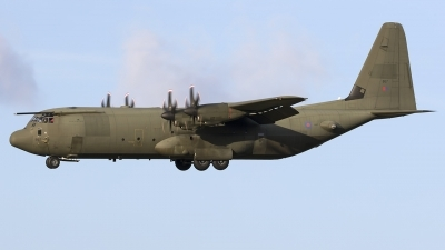 Photo ID 205968 by Chris Lofting. UK Air Force Lockheed Martin Hercules C4 C 130J 30 L 382, ZH867