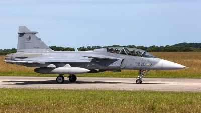 Photo ID 206145 by Thomas Ziegler - Aviation-Media. Czech Republic Air Force Saab JAS 39D Gripen, 9820