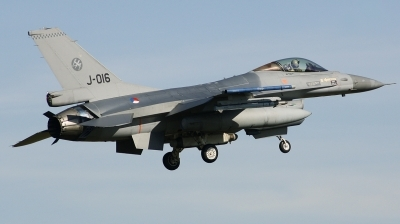 Photo ID 206603 by Arie van Groen. Netherlands Air Force General Dynamics F 16AM Fighting Falcon, J 016
