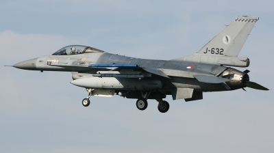 Photo ID 206604 by Arie van Groen. Netherlands Air Force General Dynamics F 16AM Fighting Falcon, J 632