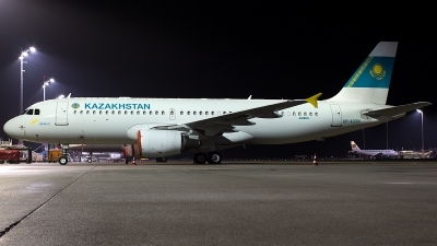 Photo ID 206224 by Thomas Ziegler - Aviation-Media. Kazakhstan Government Airbus A320 214XCJ, UP A2001