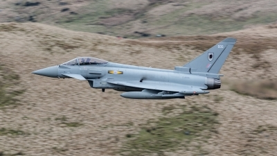 Photo ID 206471 by Paul Massey. UK Air Force Eurofighter Typhoon FGR4, ZJ935