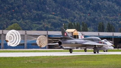 Photo ID 206535 by Agata Maria Weksej. Private Amici del Hunter Hawker Hunter T68, HB RVR