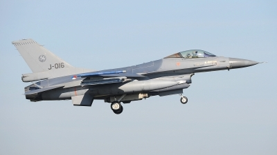 Photo ID 207216 by Peter Boschert. Netherlands Air Force General Dynamics F 16AM Fighting Falcon, J 016
