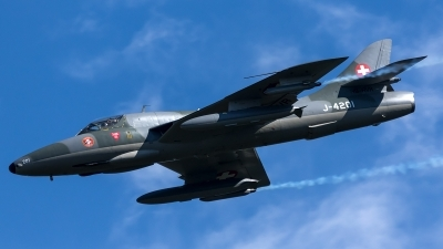 Photo ID 207307 by Thomas Ziegler - Aviation-Media. Private Amici del Hunter Hawker Hunter T68, HB RVR