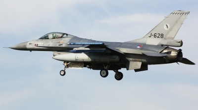 Photo ID 207467 by Arie van Groen. Netherlands Air Force General Dynamics F 16AM Fighting Falcon, J 628
