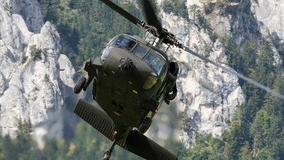 Photo ID 207550 by Thomas Ziegler - Aviation-Media. Austria Air Force Sikorsky S 70A 42 Black Hawk, 6M BF