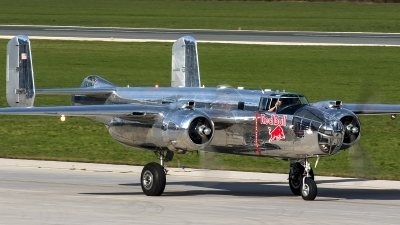 Photo ID 207546 by Thomas Ziegler - Aviation-Media. Private Red Bull North American B 25J Mitchell, N6123C