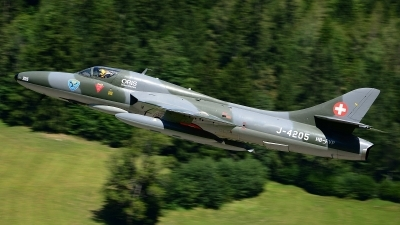 Photo ID 207605 by Sven Zimmermann. Private Fliegermuseum Altenrhein Hawker Hunter T68, HB RVP