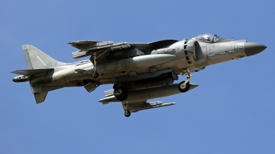 Photo ID 207905 by Richard de Groot. USA Marines McDonnell Douglas AV 8B Harrier ll, 165311