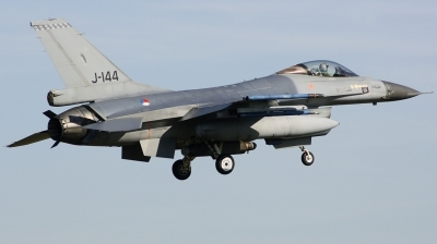 Photo ID 208091 by Arie van Groen. Netherlands Air Force General Dynamics F 16AM Fighting Falcon, J 144