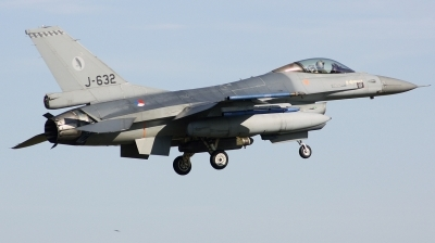 Photo ID 208092 by Arie van Groen. Netherlands Air Force General Dynamics F 16AM Fighting Falcon, J 632