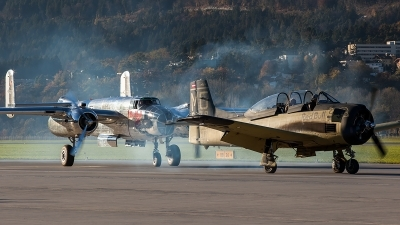 Photo ID 208357 by Thomas Ziegler - Aviation-Media. Private Red Bull North American T 28B Trojan, OE ESA