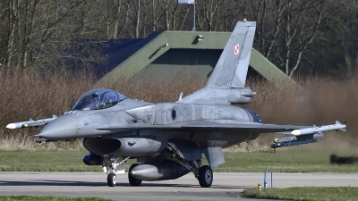 Photo ID 208511 by Peter Boschert. Poland Air Force General Dynamics F 16C Fighting Falcon, 4045