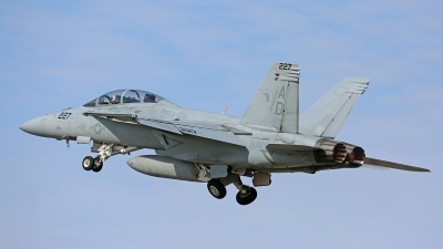 Photo ID 208598 by David F. Brown. USA Navy Boeing F A 18F Super Hornet, 165913