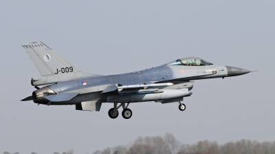 Photo ID 209038 by Milos Ruza. Netherlands Air Force General Dynamics F 16AM Fighting Falcon, J 009