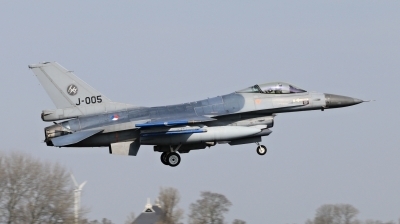 Photo ID 209039 by Milos Ruza. Netherlands Air Force General Dynamics F 16AM Fighting Falcon, J 005