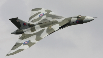 Photo ID 24454 by Karl Drage. Private Private Avro Vulcan B2, G VLCN