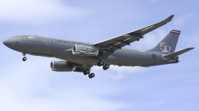 Photo ID 209575 by Alberto Gonzalez. Singapore Air Force Airbus A330 243MRTT, EC 332
