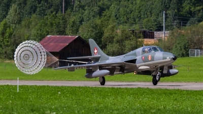 Photo ID 209760 by Agata Maria Weksej. Private Amici del Hunter Hawker Hunter T68, HB RVR