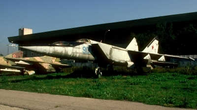Photo ID 209918 by Sven Zimmermann. Russia Air Force Mikoyan Gurevich MiG 25PU,